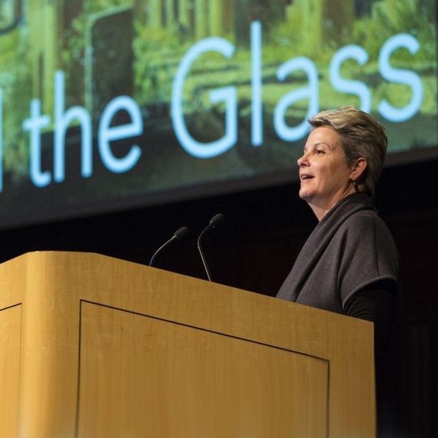 CMOG's President, Karol Wight, introduces a Behind the Glass lecture